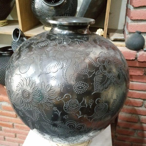 San Bartolo Coyotepec - Black Pottery